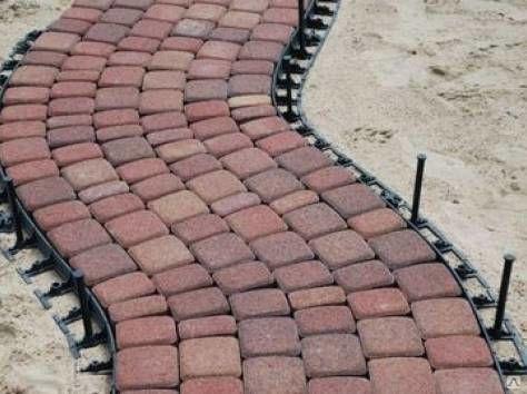 Укладка тротуарной пластиковой плитки